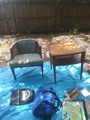 Antique table and chair for Sale in Tampa, FL