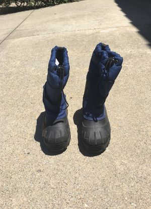 Kids snow boots size 3 for Sale in Chino Hills, CA