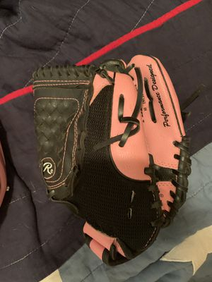 Girls pink softball glove and helmet for Sale in Grand Prairie, TX