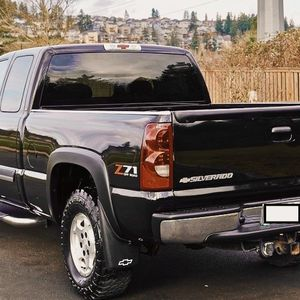 2003 Chevy SILVERADO LT for Sale in Worcester, MA