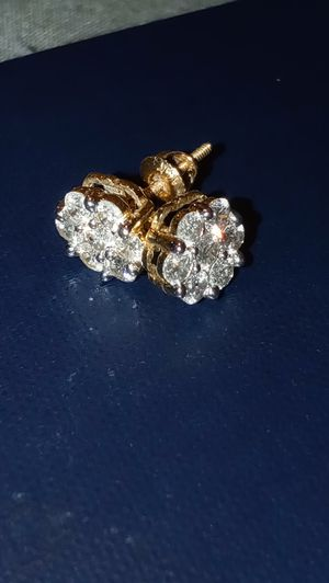 14k Gold and 1ctw diamond screw back earrings for Sale in Tampa, FL