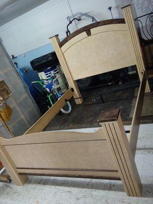 Queen size Bed Frame for Sale in Killeen, TX