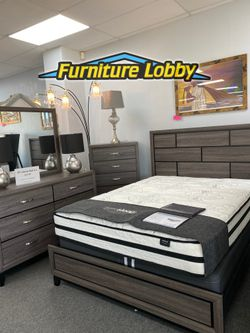 Queen Grey Bedroom Set includes Queen Bed frame Dresser Mirror and Night stand 2LHQ for Sale in Irving,  TX