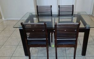 Glass kitchen table with 4 chairs for Sale in Las Vegas, NV