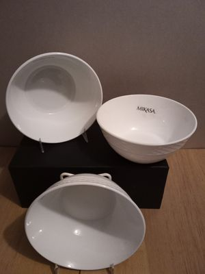 Set of 3 white Ceramic Mikasa salad bowls for Sale in Greenbelt, MD