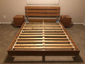 Queen bed and frame for Sale in Laveen Village, AZ