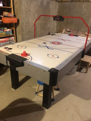 Air Hockey Table, Carrom Sports 7' - Works but electric scoreboard needs re-wiring otherwise great condition for Sale in La Grange, IL