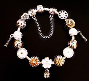 Beautiful Iconic Pandora 925 Bracelet for Sale in Marysville, WA