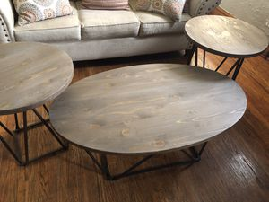 Coffee table and end tables for Sale in Bedford Park, IL