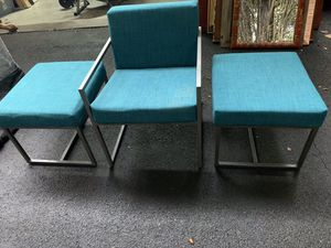 CHAIR WITH MATCHING END TABLES for Sale in Snellville, GA