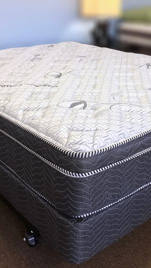 New! Pillowtop Queen Size Mattress And Box Spring Set for Sale in Desert Hot Springs, CA