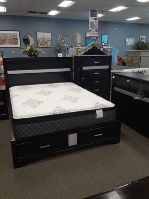 4 piece queen bedroom set twin bed frame dresser mirror and nightstand for Sale in Antioch, CA
