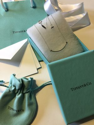 TIFFANY T SMILE PENDANT**BRAND NEW WITH ORIGINAL PACKAGING for Sale in Rocky River, OH