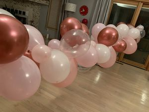 Pink Balloon Garland for Sale in Sterling Heights, MI