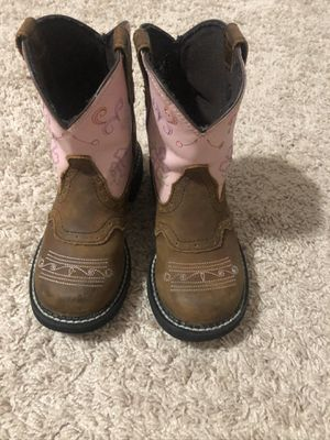 Girls light up boots 13 1/2 D LIKE a BRAND NEW!!!! Asking 60.00 for Sale in Flowery Branch, GA