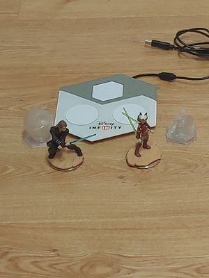 PS3 Disney Infinity 3.0 Edition Lot , Includes Star Wars accessories, 2 worlds & 2 action figures for Sale in New Port Richey, FL