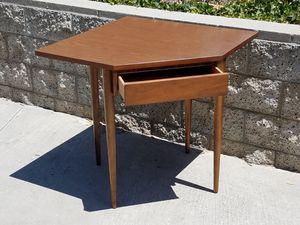 unique Vintage 1960's Bassett one-drawer CORNER DESK for Sale in Oceanside, CA