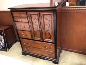 Beautiful high quality king furniture set for Sale in Burke, VA