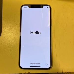 iPhone xs for Sale in Harrisburg, PA