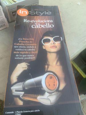 Plancha giratoria para cabello for Sale in La Puente, CA