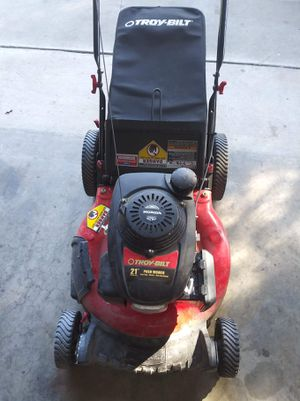 Troy built/Honda lawn mower for Sale in Riverside, CA