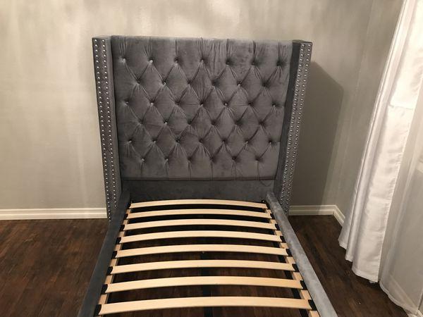 Twin Velvet Tufted Grey Bed