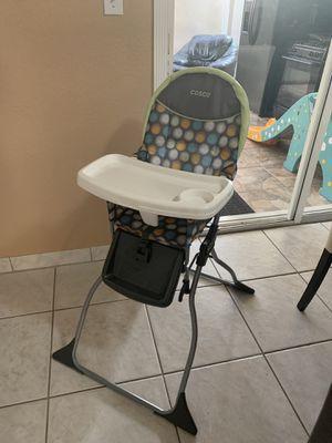 Coche car seat y silla de comer for Sale in Miami Springs, FL