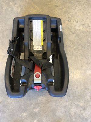 Car seat base for Sale in Flowery Branch, GA