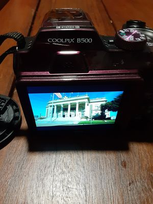 Nikon coolpix b500 like new condition for Sale in Hutchins, TX