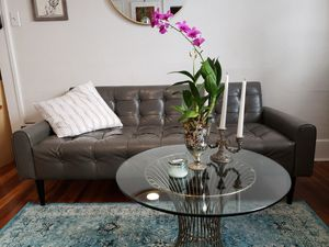 Beautiful modern tufted sofa and chair set for Sale in St. Petersburg, FL