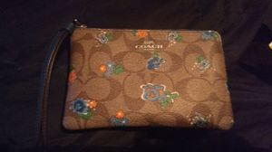 Authentic coach wristlet for Sale in Colorado Springs, CO