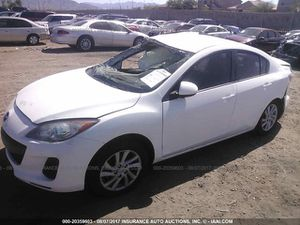 2012 Mazda 3 skyactiv for parts only for Sale in Phoenix, AZ