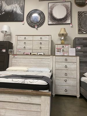 4 PC Bedroom Set (Queen Bed, Dresser Mirror and Nightstand), Whitewash for Sale in Downey, CA