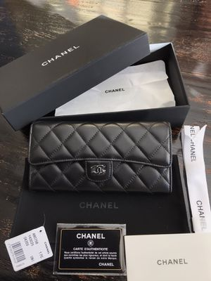 Chanel Lambskin Quilted Classic Silver Tone Flap Wallet for Sale in Kennesaw, GA