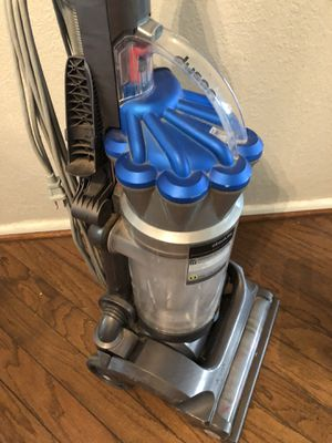 Dyson Bagless Vacuum Cleaner for Sale in Arlington, TX
