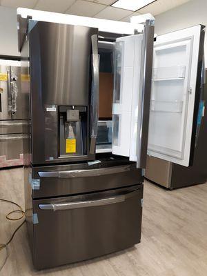 LG Refrigerator 4-French Door Door-in-Door / New Product for Sale in Buena Park, CA