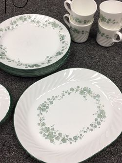 Corelle Set of Dishes - Callaway pattern for Sale in Douglasville,  GA