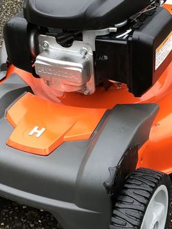 Hungry Hungry Husqvarna Self Propelled Lawn Mower - Lawnmower for Sale in Portland,  OR