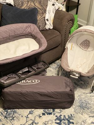 Graco Pack n Play snuggle suite LX Playard for Sale in Canton, GA