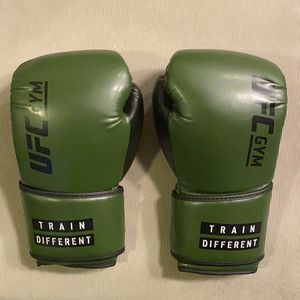 UFC gym Boxing gloves for Sale in Las Vegas, NV