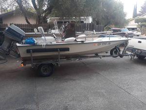 """15'4"""" Boston Whaler 60 hp Evinrude Bemini for Sale in Stockton, CA"""