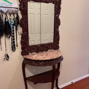 console table With mirror Great Condition for Sale in Troutdale, OR