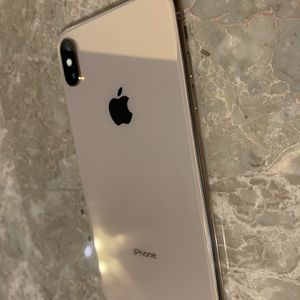 iPhone XS Max Factory Unlocked for Sale in Fort Lauderdale, FL
