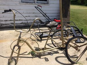 Bike- needs fixing- antique for Sale in Columbus Grove, OH
