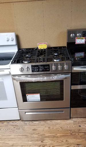 Brand New Frigidaire Slide In Gas Stove for Sale in Moyock, NC