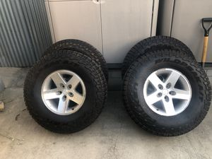 Wildpeak 285/75R16 rubicon wheels for Sale in Paramount, CA