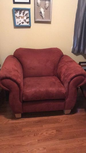 Large red chair, perfect condition for Sale in Bend, OR