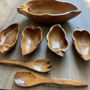 VINTAGE MID CENTURY WOOD WOODEN SALAD BOWL WITH WOODEN UTENSILS SET OF 7 for Sale in Goodyear, AZ