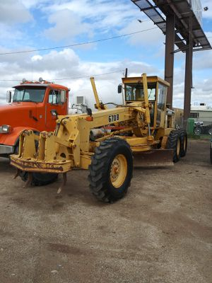 John Deere 670B motor Grader w Scarifier ripper only 5k org hours nice for Sale in Yuma, AZ