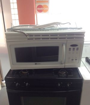 Maytag, over the range microwave for Sale in St. Louis, MO